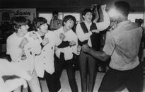 Ringo Starr Tells The Story Behind Those Iconic Beatles Photos With Muhammad Ali