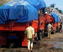 News Dump trucks guarantee passage to Bantar Gebang landfill