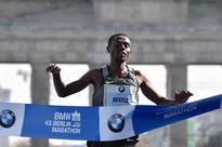 Bekele back to his brilliant best in Berlin