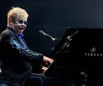 Elton John promises a wonderful, crazy night in Tel Aviv