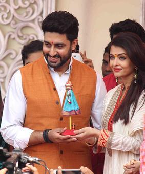 Bachchan star power boosts Prestige cookers