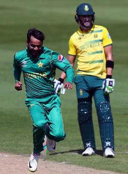PHOTOS: Pakistan down South Africa in rain-hit match to stay alive