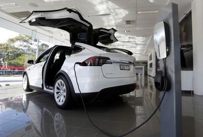 India's e-vehicle dream is impractical: Toyota