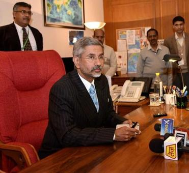 FS Jaishankar may get extension a day after he contradicts Parrikar