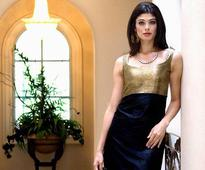 Pooja Batra happy to see Hollywood welcoming Indian actors