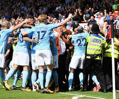 EPL PHOTOS: Sterling grabs last-gasp victory for City, then sent off