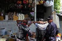 El Salvador in many ways still at war