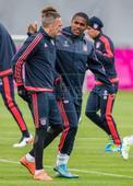 Douglas Costa and Kingsley Coman, two options for Guardiola's Bayern