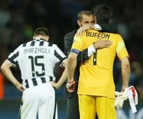 FÚTBOL ITALIA - Buffon y Barzagli renuevan sus contratos con el Juventus hasta 2018