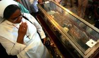 Devotees in Goa attend feast of Saint Francis Xavier