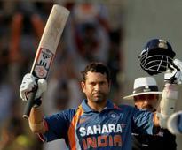 Six Years Ago, Sachin Tendulkar Became The First Player To Break 200 Run-Barrier in ODIs