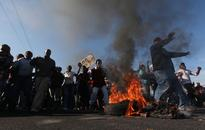 Protest shuts down Cape Town highway