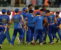 Karachi Kings qualify with clutch victory