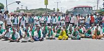 Farmers protest in Maddur, Malavalli