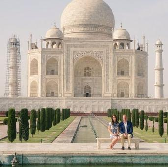 William and Kate pose at Taj following in Diana's footsteps