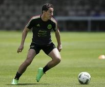 Mexico's Guardado out of Panama qualifier with thigh injury