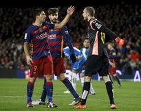 Suarez faces ban for 'waste of space' jibe Barcelona's Luis Suarez (L) and Gerard Pique (C) argue with Espanyol...
