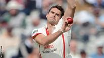 Anderson takes late Kent wickets
