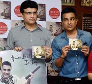 Sanjay Manjrekar turns singer, launches first music album