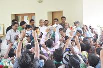 600 Congress workers in Odisha join rulling BJD