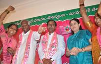 KCR confident of TRS forming government in Telangana