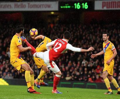 Giroud scorpion kick vs teen Castellanos's goal for Puskas award