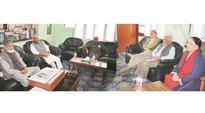 Yashwant Sinha-led team in Kashmir Valley, reaches out to Syed Ali Shah Geelani, Mirwaiz Umar Farooq
