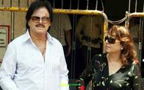 Actor Sanjay Khan's Agra theme park rides a leaky boat in Yamuna