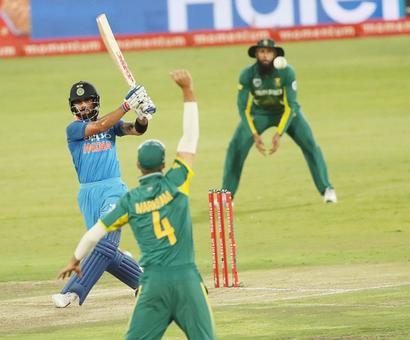 PHOTOS: Kohli, Thakur destroy SA in final ODI