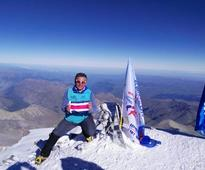 Tico climber Warner Rojas reaches highest European peak on Costa Rican Independence Day