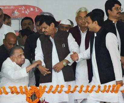 Fresh feud in SP as Akhilesh unhappy over tickets given to 'tainted' netas