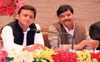 Samajwadi Party feud: Akhilesh backs youth leaders expelled by Shivpal Yadav