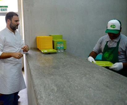 Aping TN, Congress opens Indira canteens in Karnataka