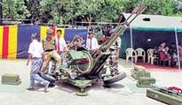 Army displays artillery, weapon systems
