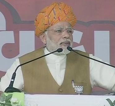 PM launches 2nd phase of Gujarat polls
