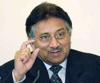 Pakistan court orders Musharraf's arrest