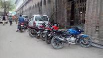 Illegal parking leads to lengthy jam: Locals