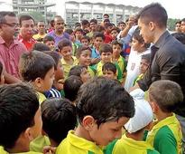 Noida's young footballers kicked to meet Sunil Chhetri