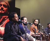 Reference: Artists pay tribute to qawwali maestro Amjad Sabri