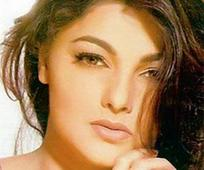 Mamta Kulkarni, her bank manager under ... Mamta Kulkarni, her bank manager under scanner for money laundering