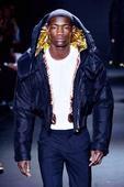 Society: Models bring Milan to standstill