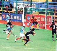 Western charge into semis; Central go down fighting