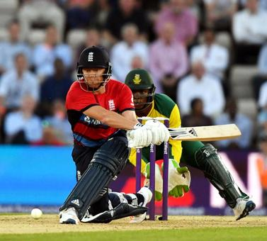 Bairstow leads England to rout of South Africa in 1st T20