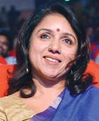 Revathy to Direct Queen Remake