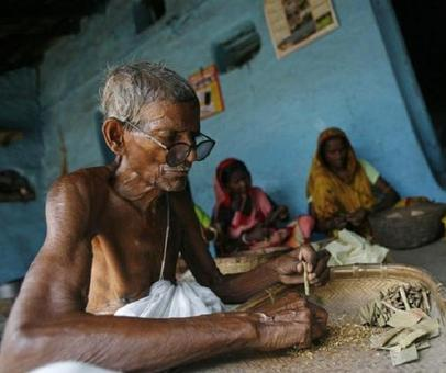 Demonetisation has driven Solapur's beedi workers to loan sharks