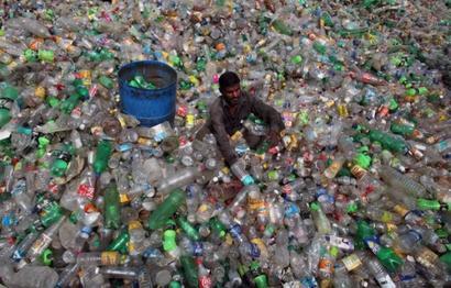 Maharashtra's plastic ban will make 400,000 people jobless