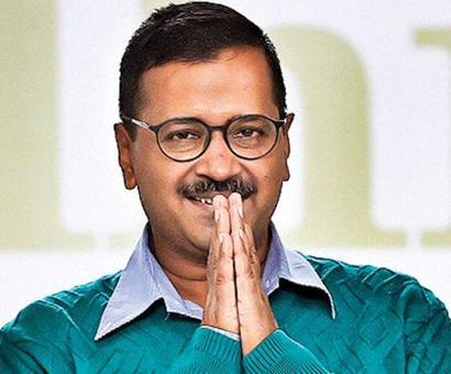 Kejriwal's string of apologies continues, latest to Gadkari and Sibal