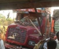 Five killed, 15 injured in road accident
