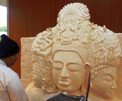 Om Namaha Shivaya: Mumbai airport exhibits giant Trimurti on Maha Shivratri