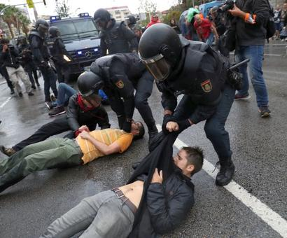 Violence erupts as Catalans vote on split from Spain